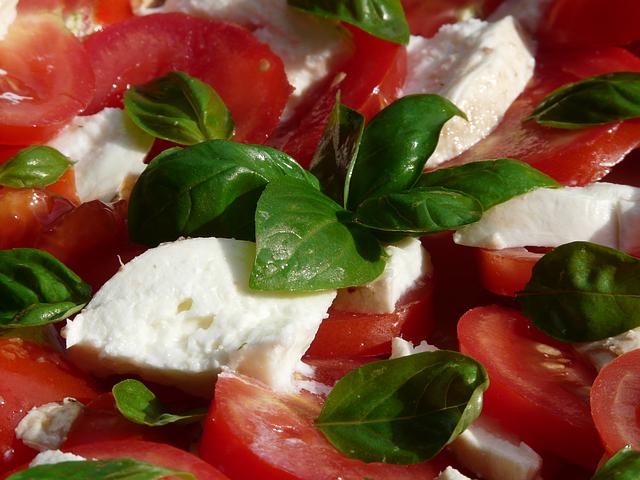 Salat Rezepte – Ideen für Snacks mit Gemüse, Nudelsalate oder Kartoffelsalat